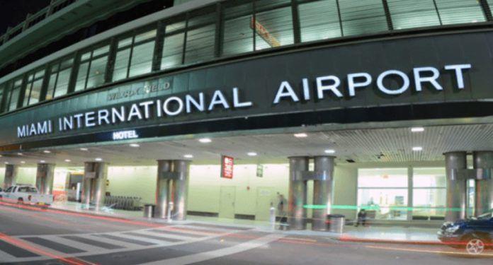 indiyskiy-shkolnik-ugrozhal-vzorvat-aeroport-bitbetnews
