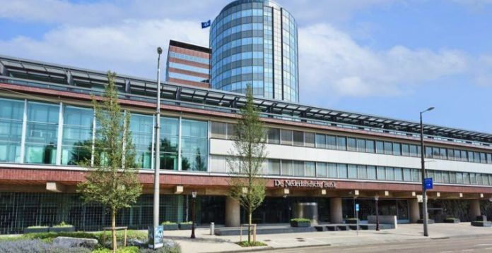 https://www.bitbetnews.com/novosti/centrobank-niderlandov-boretsja-s-otmyvaniem-sredstv-cherez-kriptovaljuty.html