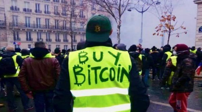 francuzy-hotiat-vyvesti-den'gi-iz-bankov-bitbetnews